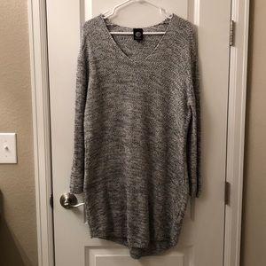 Bobeau V-neck Sweater