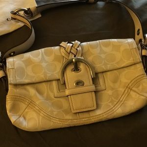 Awesome Coach Purse w/ dust bag amazing condition