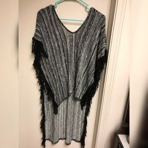 High/low Pancho/ Short Sleeve Top