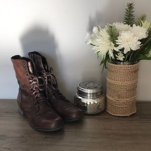 EUC Steve Madden Troopa Leather Boots