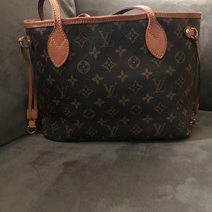 AUTHENTIC Louis Vuitton Never Full PM