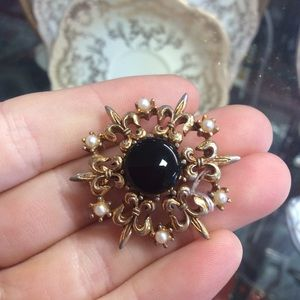 Black Onyx Golden Fleur De Lis Brooch