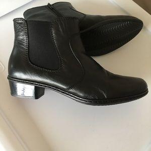 Rieker stressless NWOT black booties 40 never worn
