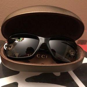 Authentic Women's Black Gucci Sunglasses NWOT