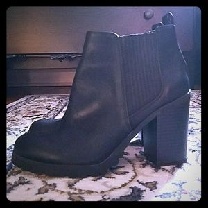 Ankle black booties