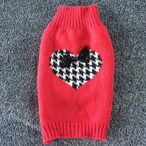 XS dog sweater with heart detail