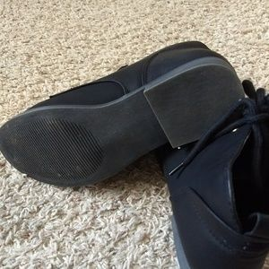 Ankle shoes