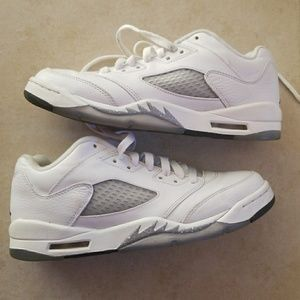 Air Jordan retro 5's size 7Y