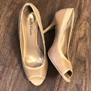 Kelly & Katie Patent/Textured Pumps