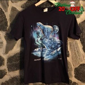 20% OFF ~ Vtg// Black ALASKA polar bear t-shirt
