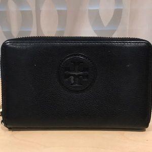 Tory Burch black leather wristlet wallet