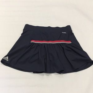Adidas workout skirt / skort. Super cute! Sz M / L