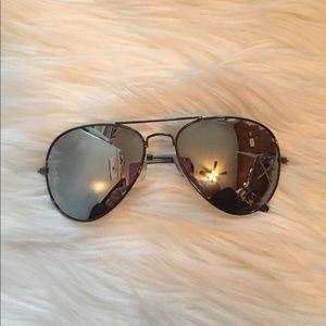 H&M aviator sunglasses in silver mirror