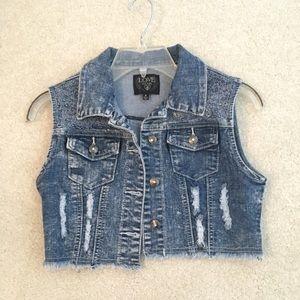 Love culture cropped jean vest