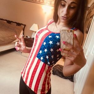 👉🏽NWT RED WHITE AND BLUE TANK TOP