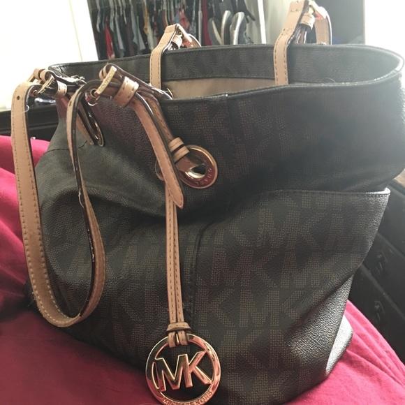 Used Michael Kors Handbags >> Michael Kors Bags Used Mk Signature Jet Set East West Large Tote