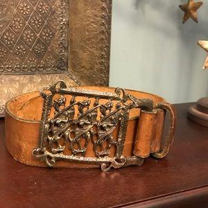Accessories - Vintage leather belt.