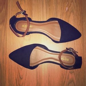 OLD NAVY Black Pointed Toe Ballet Flats