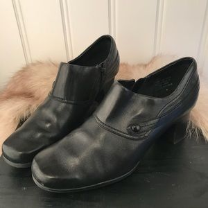 Clarks black leather heels with side button size 8
