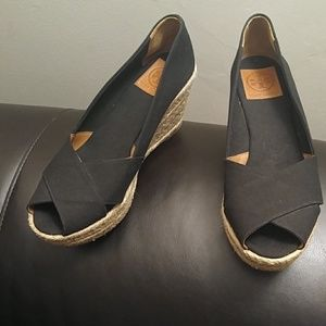 Tory Burch💓 wedge heels never worn *no box