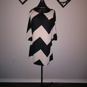 Gianni Bini Bow Chevron Dress