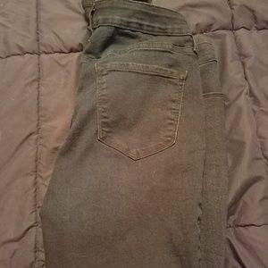 Dark wash old navy rockstar jeans size 10