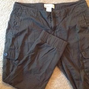 Old Navy cargo olive green capris 8