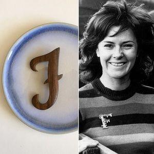 "'70s / Wood ""F"" Brooch"