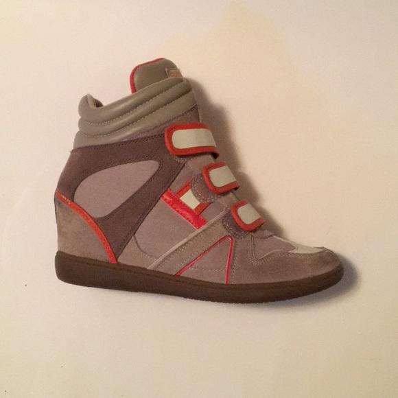 Skechers Shoes   Sketcher Wedge Tennis