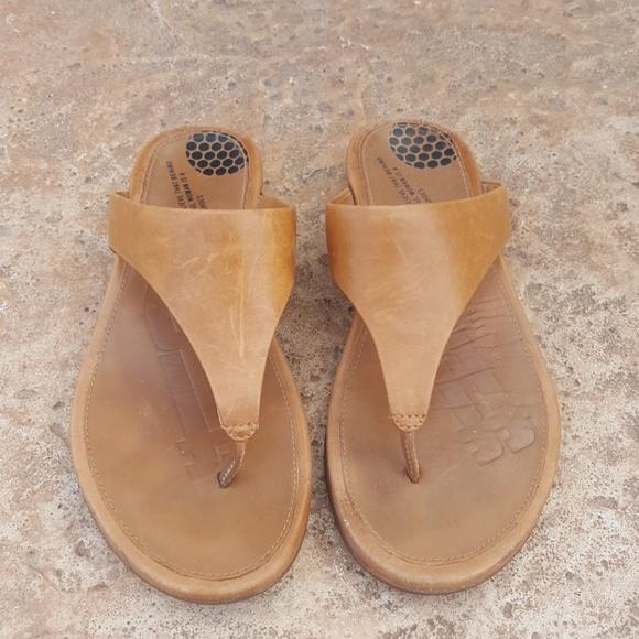 9b6a243d2c9 Fitflop Shoes - FitFlop camel Tan Leather Sandals Flip Flops 7 37