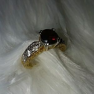 Jewelry - Beautiful Red & Gold Ring