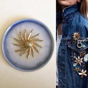 '60s / Gold Pinwheel Brooch