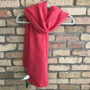 Banana Republic Italian yarn scarf