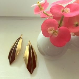 Vintage 80's metal Art Deco look earrings