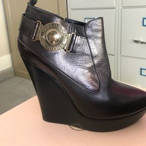 Burberry boot heels