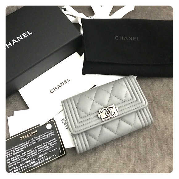 Chanel accessories gray boy caviar quilted flap card holder poshmark chanel gray boy caviar quilted flap card holder reheart Choice Image