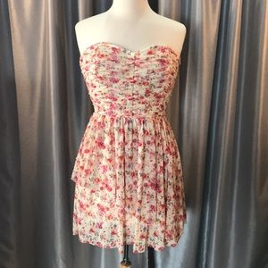 Strapless floral print tiered dress