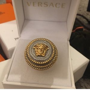 💯% Authentic Versace Medusa Cocktail ring