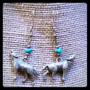 Jewelry - Vintage wolf turquoise earrings