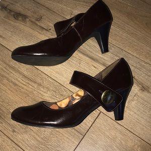 Madden girl Mary Jane style heels