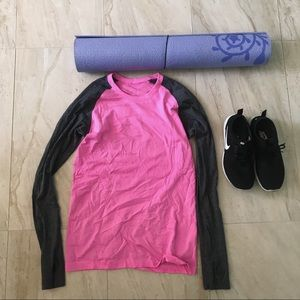 Lululemon Pink and gray long sleeve