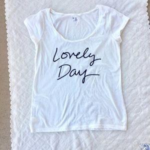 M / GAP Lovely Day white short sleeve shirt