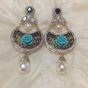 Earrings (NEW)