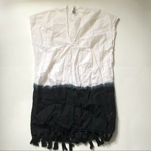 Old Navy Size S Black/White Beach Coverup