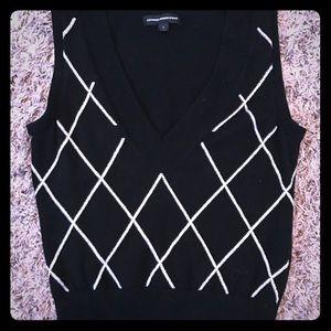 Express V-neck sweater vest triangle black white