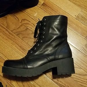 Genuine Leather Steve Madden Lace Up boots 10