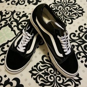 Men's Vans Old Skool Black & White Skate Shoes