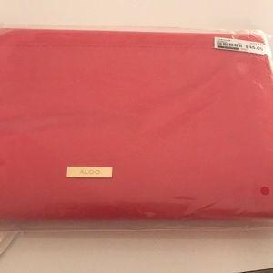 ALDO pink clutch 👛💅🏻👛💖