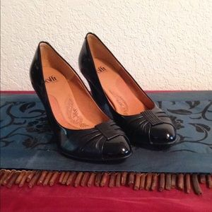 Sofft brand black patent leather pumps