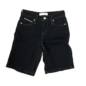 Levi's perfectly slimming shorts